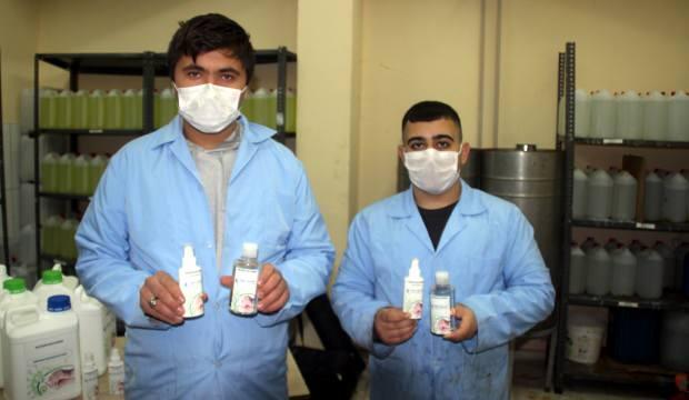 Kayserili öğretmen ve öğrenciler bir ilki başardı: Alkolsüz kimyasalsız dezenfektan üretti
