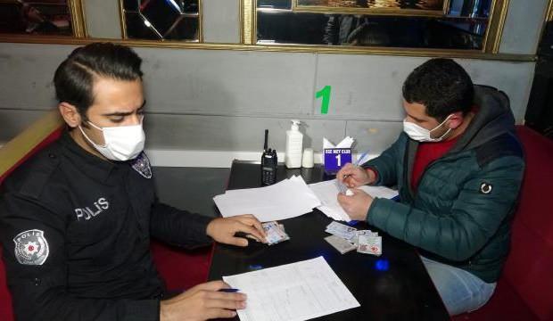 Açık gece kulübüne polis baskını: 23 kişiye para cezası