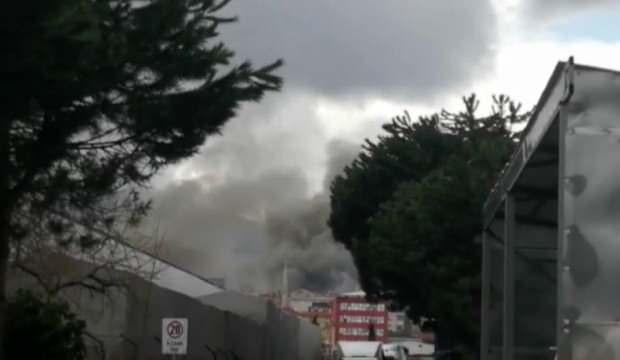 Ataşehir'de fabrikada yangın!