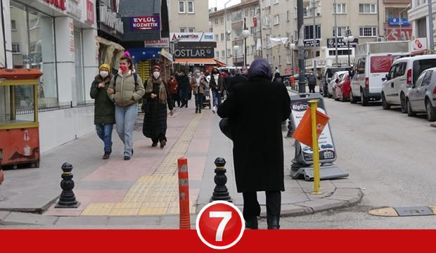 Cumartesi (Yarın) sokağa çıkma yasağı var mı? Pazar günü kimler sokağa çıkabilecek?