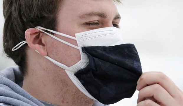 Koronavirüse karşı çift maske kullanımda 'sivilce' tehlikesi!