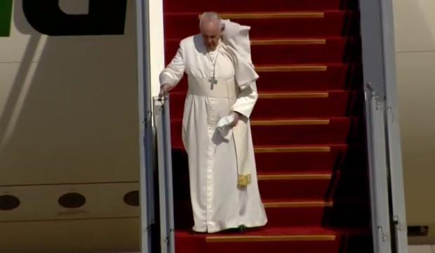 Tarihi ziyaret başladı! Papa Irak'ta