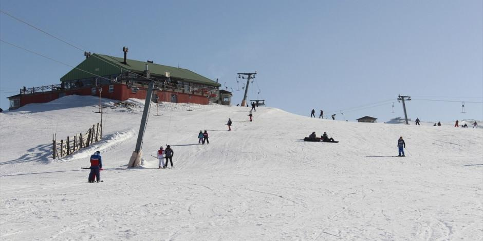 Uludağ'da kayak sezonu uzatıldı
