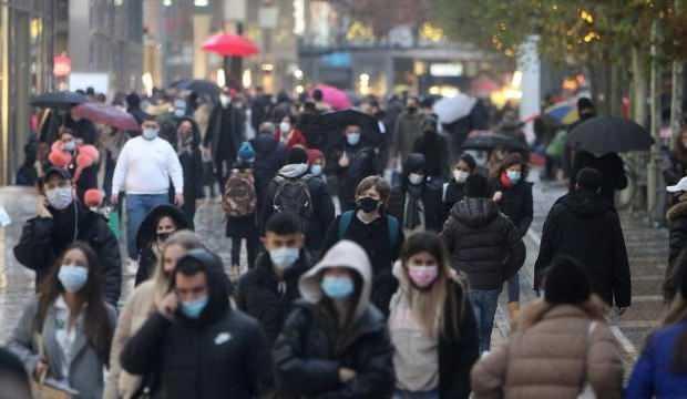 Almanya'da son 24 saatte 255 kişi koronavirüsten hayatını kaybetti