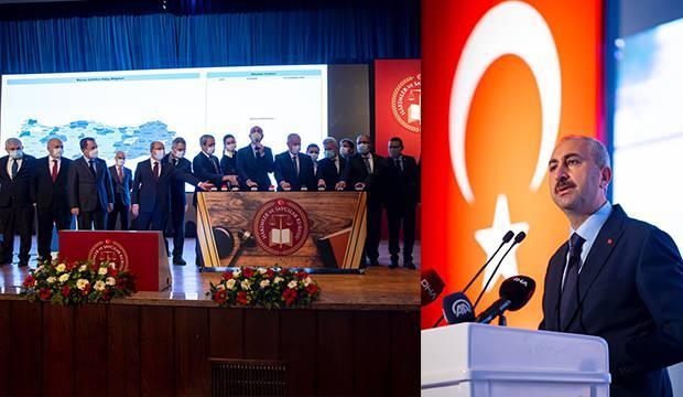 Bakan Gül: Anayasadan başka hiçbir yerden emir almayacaksınız