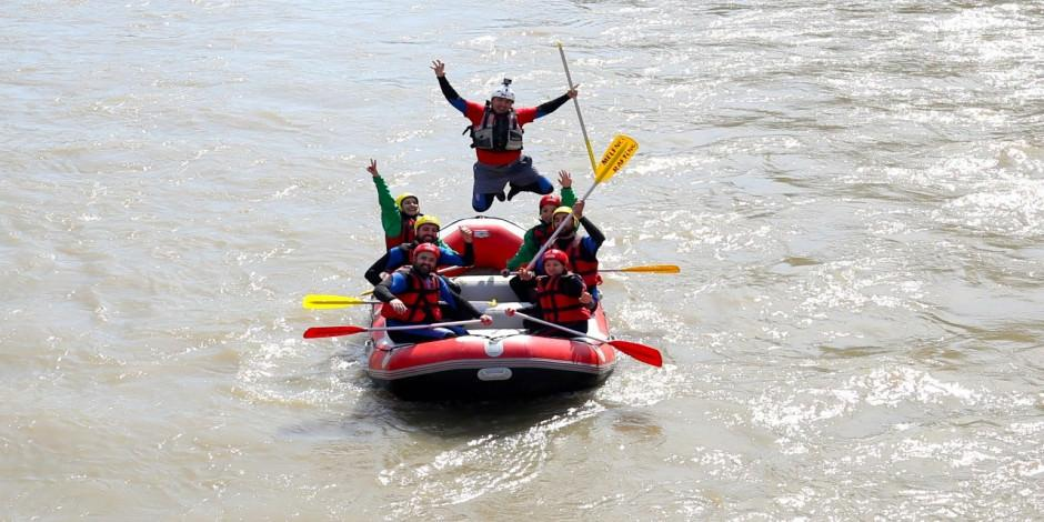 """Melen Çayı'nda """"sosyal mesafeli"""" rafting sezonu açıldı"""