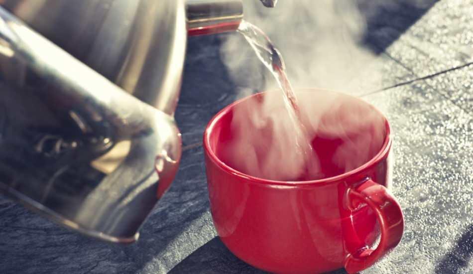 Sıcak su içmek zayıflatır mı? Suyun kilo verme etkisi