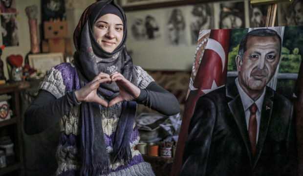 Suriyeli işitme engelli Leba Abbadi, çizdiği portreyi Erdoğan'a vermek istiyor