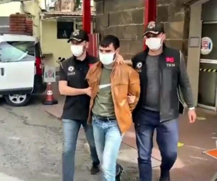 İzmir'de terör örgütü PKK/KCK propagandası yapan 5 şahıs yakalandı