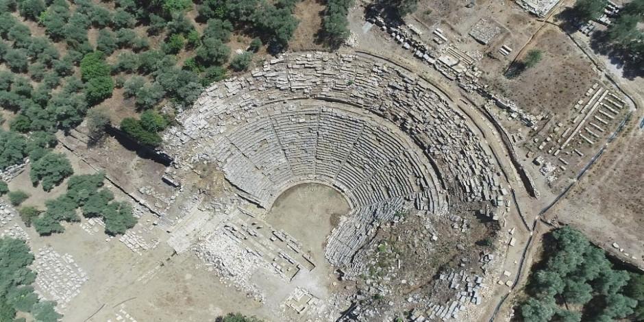 'Gladyatörler Şehri'nin 2 bin 200 yıllık sahnesi gün ışığına çıkıyor