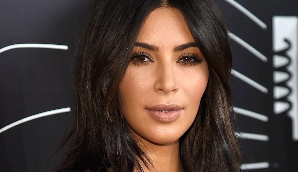 Kim Kardashian'ın 5 bin dolarlık diş mücevheri