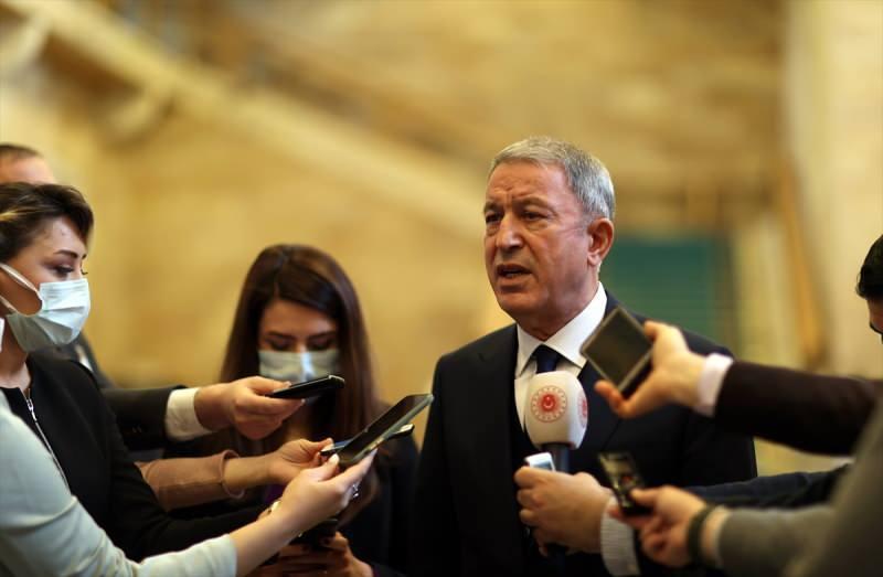 Milli Savunma Bakanı Hulusi Akar, TBMM'de basın mensuplarının sorularını yanıtladı.