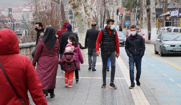 Amasya'da doğum günü kutladılar, aynı aileden 13 kişi koronavirüs oldu!