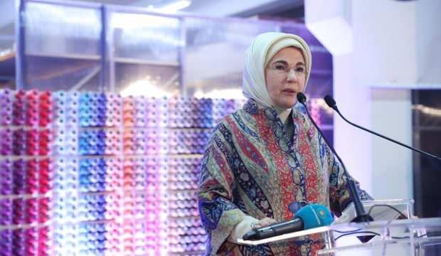 Emine Erdoğan'dan TYH Uluslararası Tekstil Fabrikası'na ziyaret