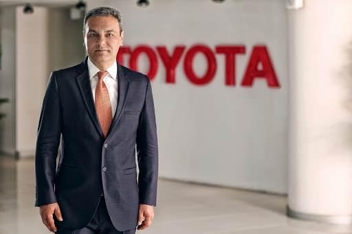 """Toyota Türkiye Pazarlama A.Ş. CEO'su Ali Haydar Bozkurt tüm otomotiv sektöründeki çip kriziyle alakalı olarak şu ifadeleri kullandı:  """"Şu ana kadar Toyota'da resmi olarak Çekya'daki tesiste bir sıkıntı var. Ama diğer fabrikalarla alakalı bir sorun henüz olmadı. Gelecek günlerde sektörün ne yaşayacağını hep birlikte göreceğiz. Ancak tüm sektörlerde, tüm markaları bu konu yakından ilgilendiriyor."""""""