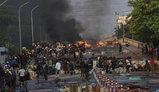 AB: Myanmar'da sivillerin ölümüne neden olanlar hesap versin