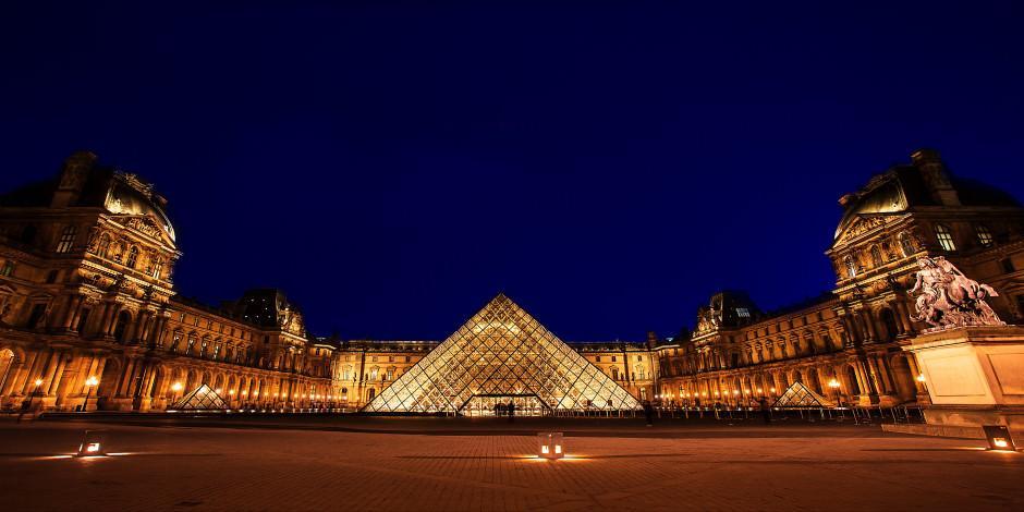 Dünyanın en büyük sanat müzesi online ziyarete açıldı