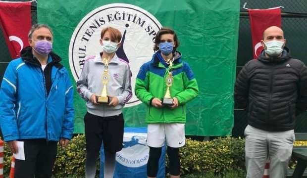 Geleceğin tenisçilerinden turnuvaya yoğun ilgi