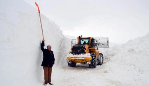 'Kar Kaplanları'nın 6 metre karla zorlu mücadelesi
