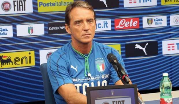 Mancini'nin büyük başarısı! Yenilmeyi unuttu...
