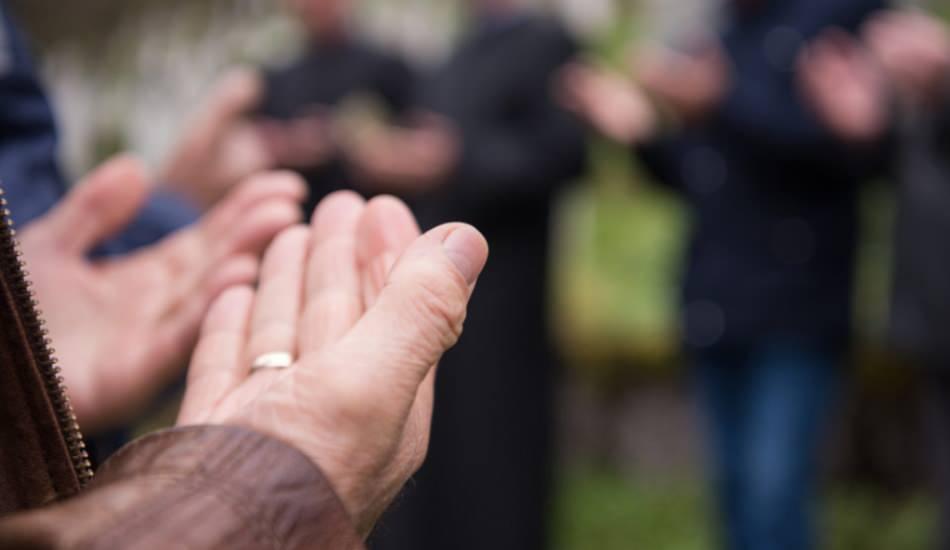 Ölünün ardından okunacak dua ve sureler! Kabir rahatlığı için dua