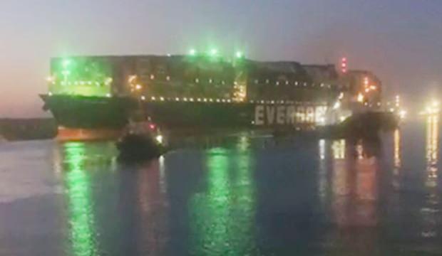 Süveyş Kanalı'ndaki gemi krizi son buldu