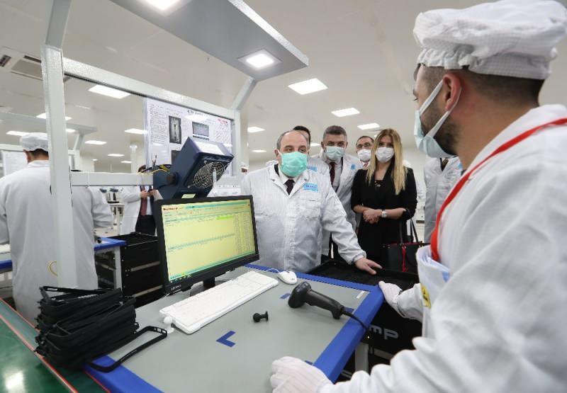 Sanayi ve Teknoloji Bakanı Mustafa Varank, Xiaomi'nin Avcılar'daki akıllı telefon fabrikasını ziyaret etmişti.
