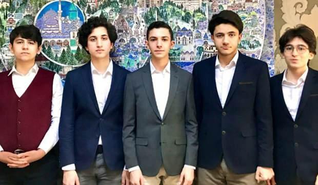 Beyoğlu Anadolu İmam Hatip Lisesi öğrencileri