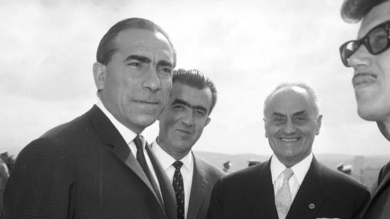 Alparslan Türkeş.