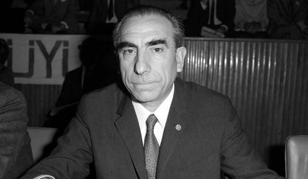 Alparslan Türkeş kimdir?