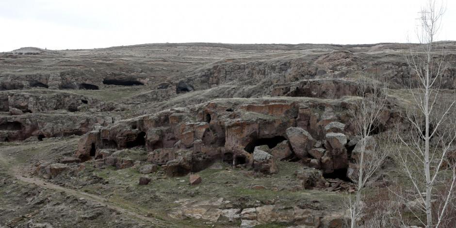Bitlis'in mağaraları dünya turizmine açılıyor