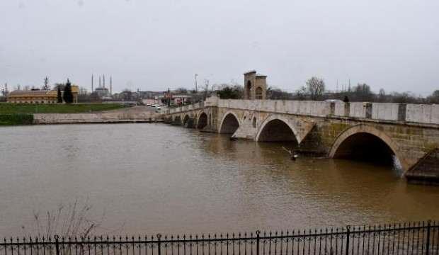 Debisi artan Tunca Nehri'nde 'sarı alarm' verildi