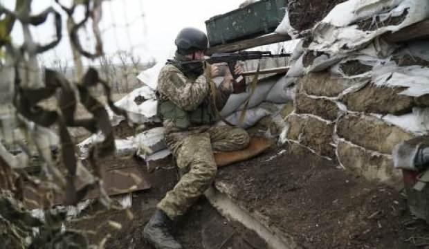 Kaos büyüyor: Ukrayna'da 1 asker hayatını kaybetti
