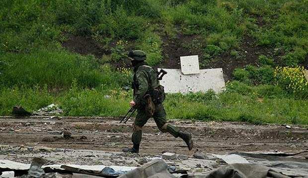 Donbas'ta hareketlilik: 1 Ukrayna askeri daha öldü
