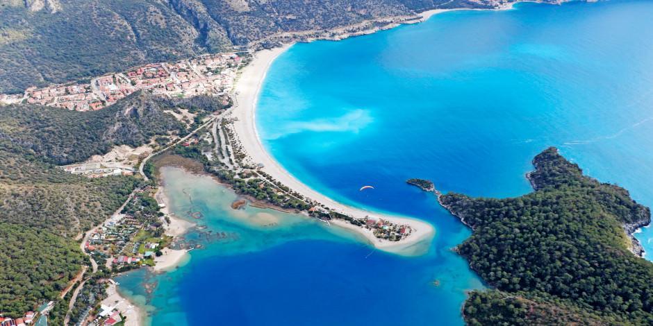 Ege'nin mavi bayraklı plajları yaz sezonuna hazır