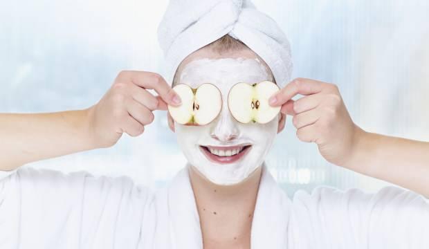 Elma maskesinin cilde faydaları nelerdir? Elma maskesi ne işe yarar?