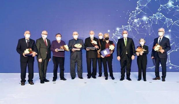 Halkbank, 60 yaş üzeri ve emekli müşterilerini unutmadı