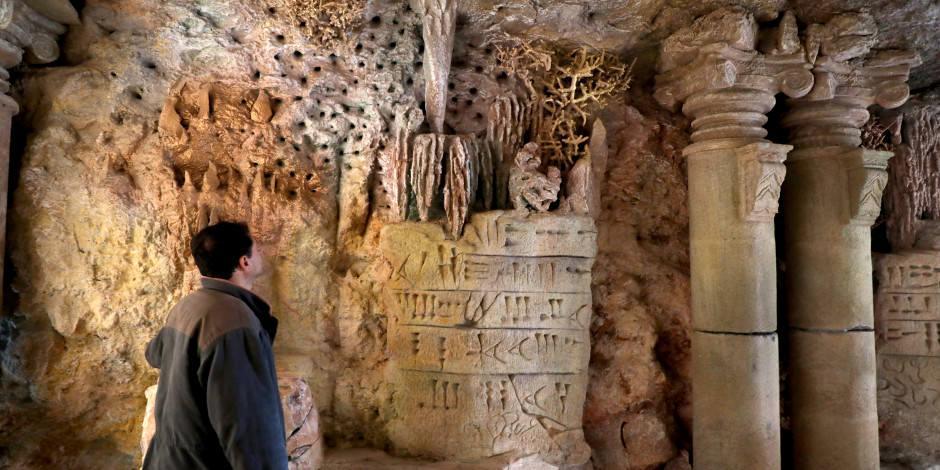 İdlibli mimar mağarayı sanat galerisine çevirdi