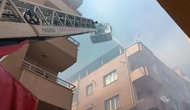 Terasta mangal, çatıyı yaktı