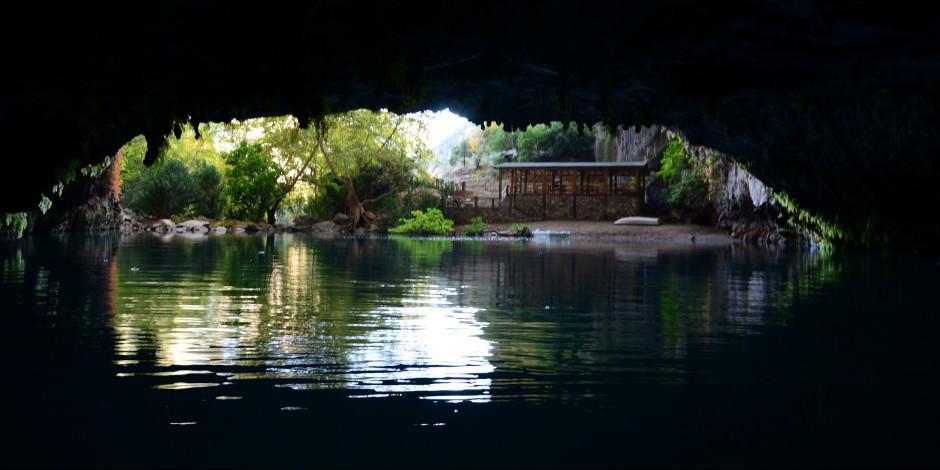 Türkiye'nin en büyük yeraltı gölü: Altınbeşik Mağarası