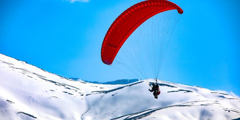 Yamaç paraşütünün yeni adresi: Van Gölü