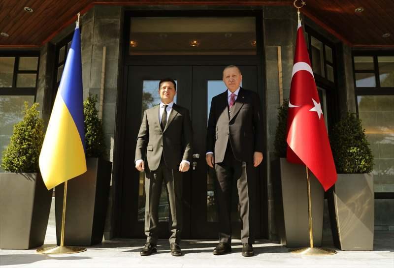 Cumhurbaşkanı Recep Tayyip Erdoğan, Ukrayna Devlet Başkanı Vladimir Zelenskiy ile Huber Köşkü'nde görüşmüştü