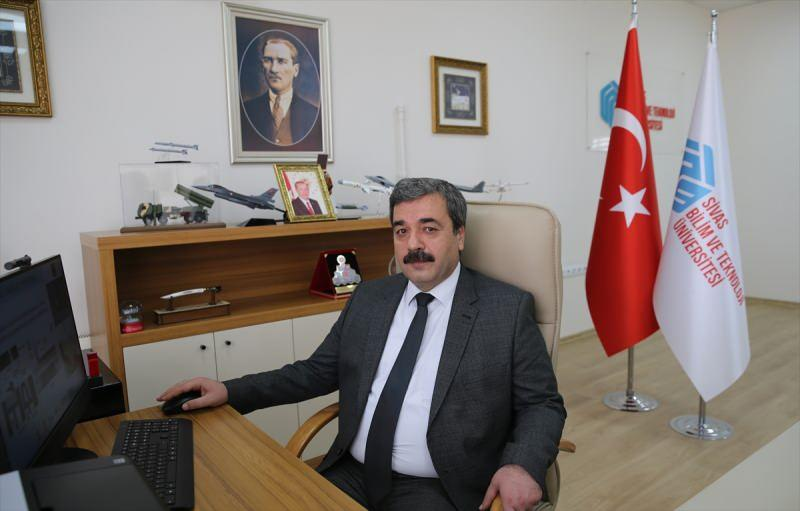 Rektör Prof. Dr. Mehmet Kul