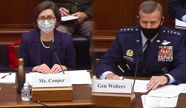 İkili, kongredeki komitede vekillerin sorularını yanıtladı.