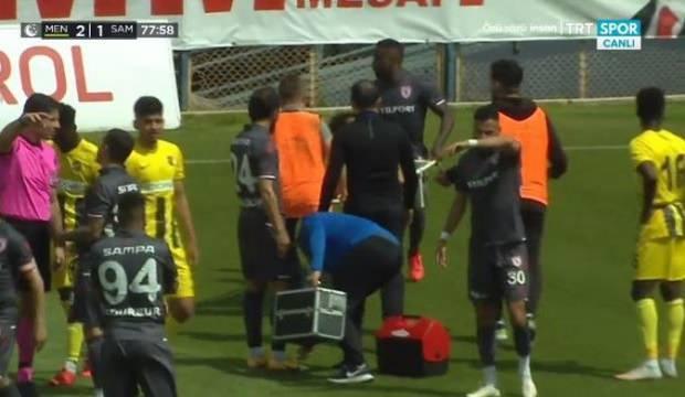 Dja Djedje, sakatlanan oyuncusu saha kenarına taşıdı!