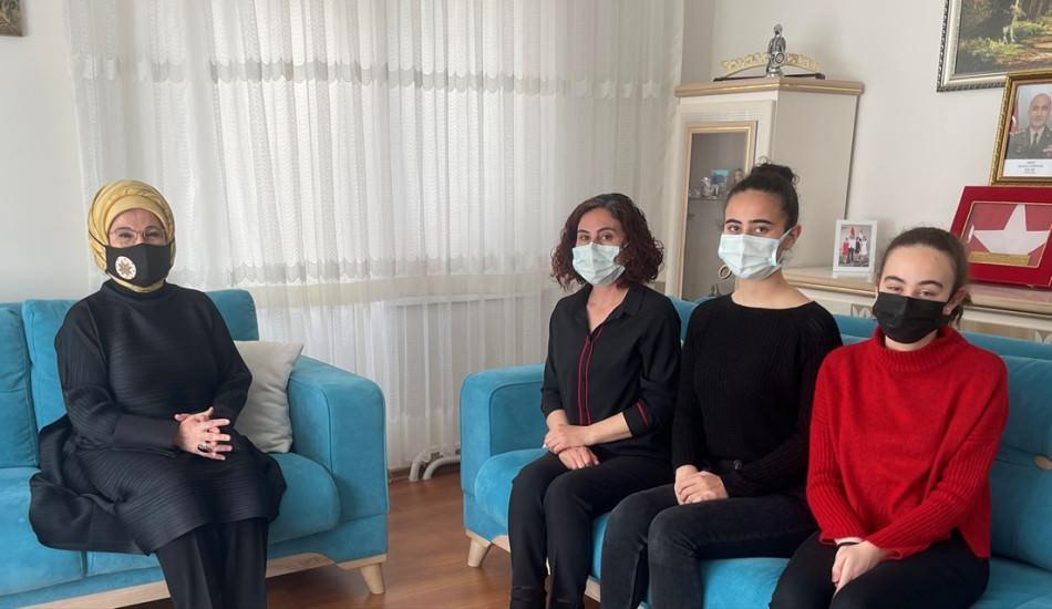 Emine Erdoğan'dan şehit ailesine taziye ziyareti