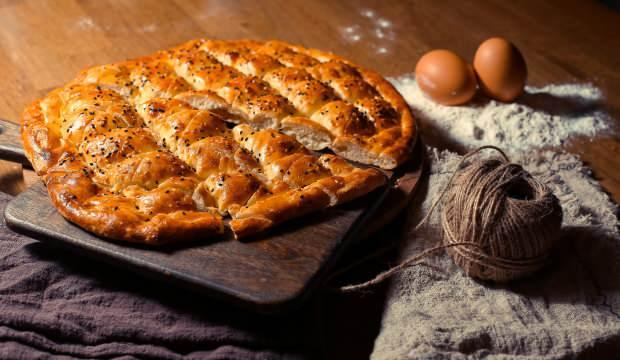 Evde yumuşacık ramazan pidesi nasıl yapılır? Yumurtalı Ramazan pidesi yapımı...