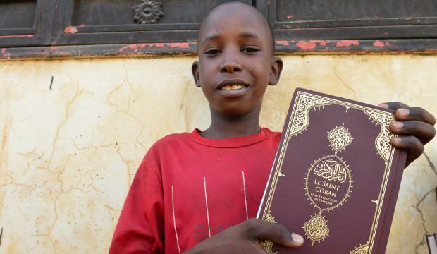 Hediye Kur'an ile yüzler güldü