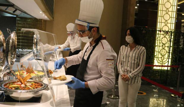 Turizm sektöründe çalışanlar aşılanıyor