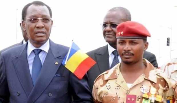 Idriss Deby (solda) Mahamat Deby (sağda)